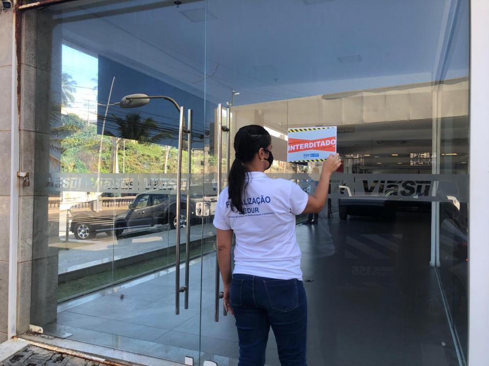 Sedur interdita concessionária de veículos por descumprimento de medidas
