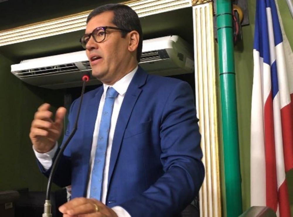 Claudio Tinoco comemora inclusão de padarias como serviço essencial em Salvador