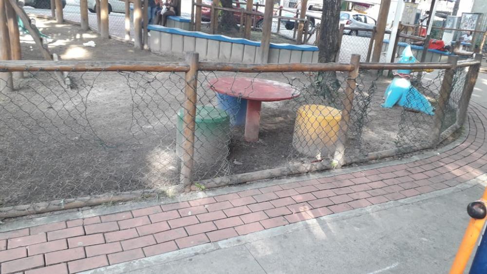 Prefeitura interdita praça vandalizada em Cosme de Farias